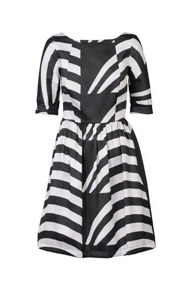 Vestido estampado en negro y gris de neopreno de Amaya Arzuaga