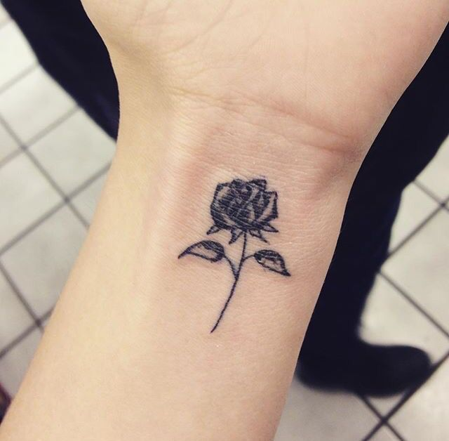 Small Rose Tattoo Found On Instagram