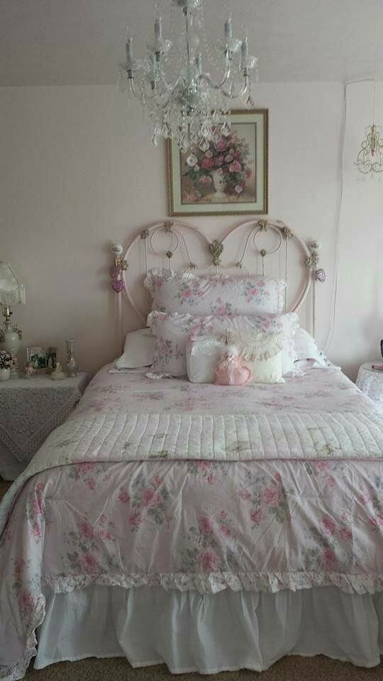 Pin By Peggie Ervin On Beautiful Shabby Chic Interior Design Shabby Chic Bedrooms Chic Bedding Shabby Chic Furniture