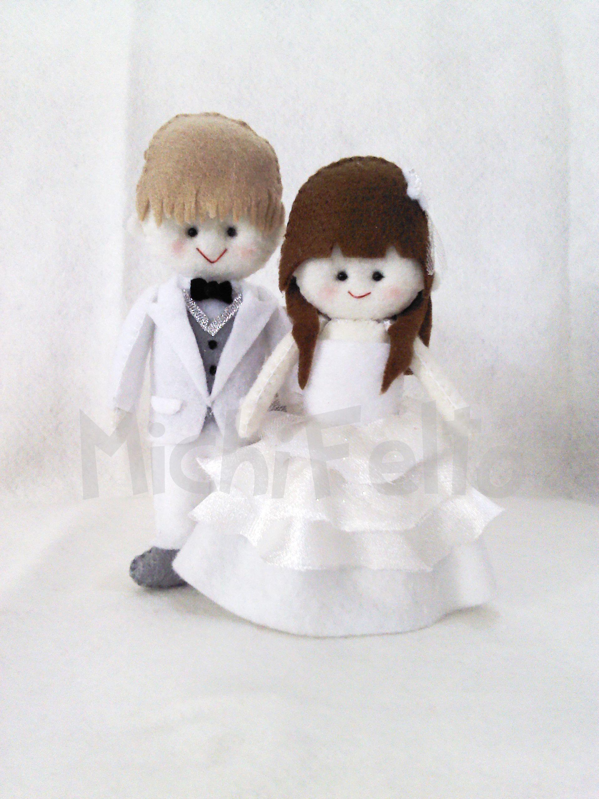Cute Wedding Couple Dolls