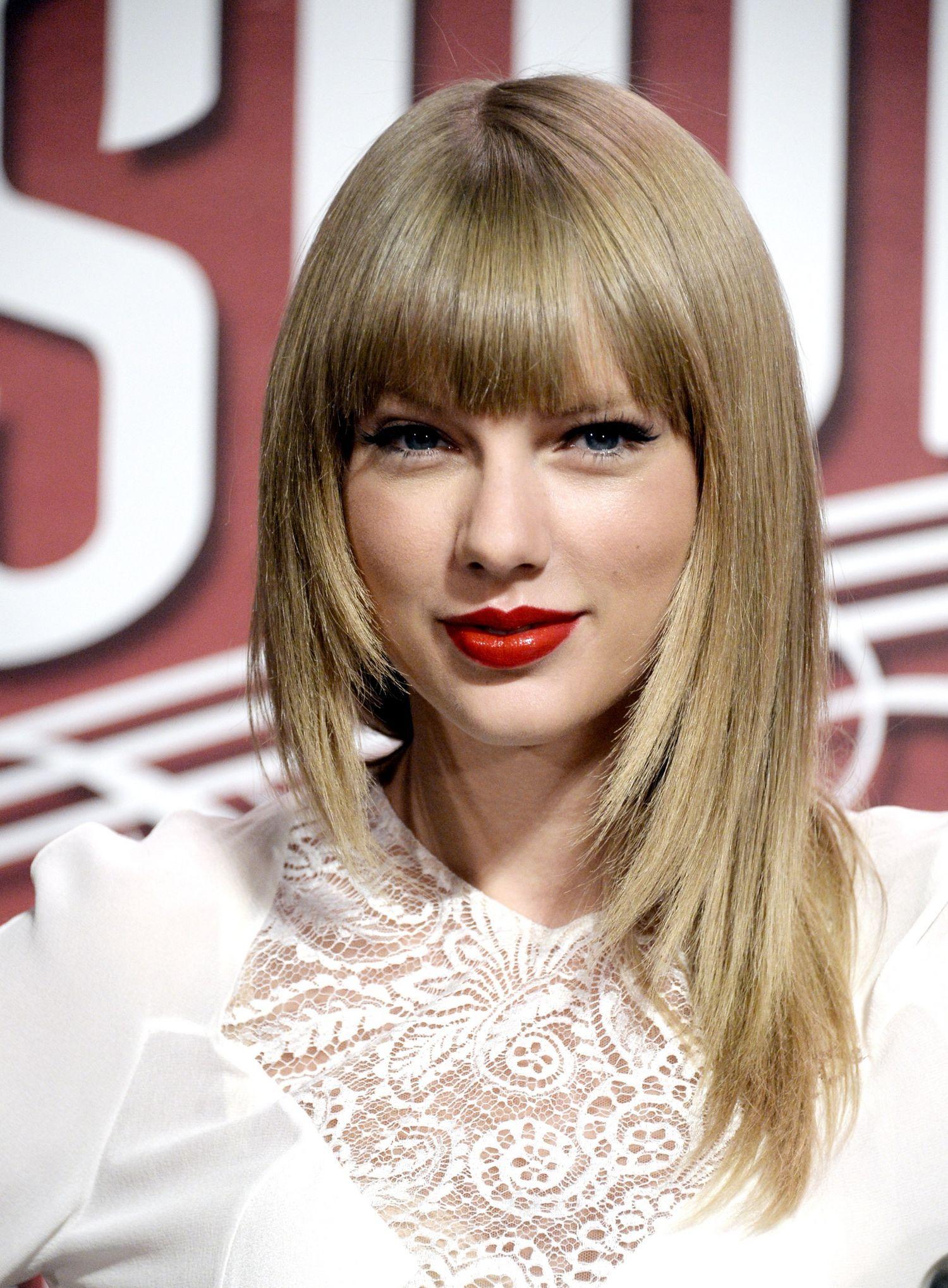 2014 Taylor Swift Long Hairstyles Long Hair For Short Bangs Pretty Designs Taylor Swift Hair Long Hair Styles Taylor Swift Bangs