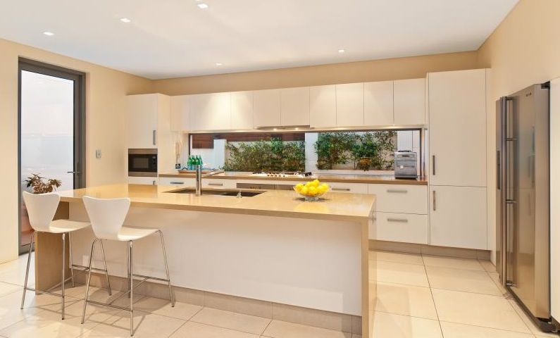 Freshwater Contemporary Open Plan Kitchen With Splashback Window