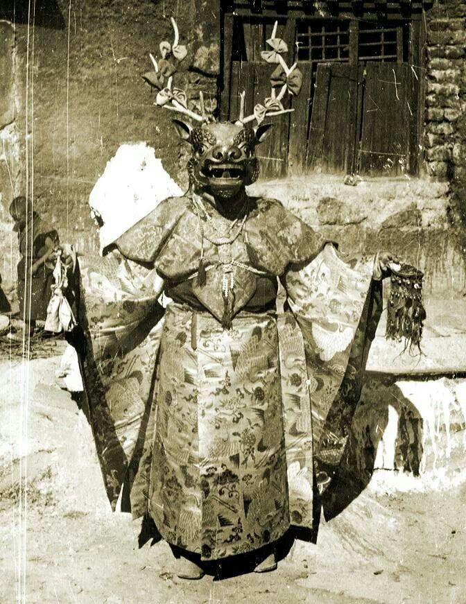 constantarrival: Ritual Tibetan character of a deer (Tibetan... (kleidersachen)