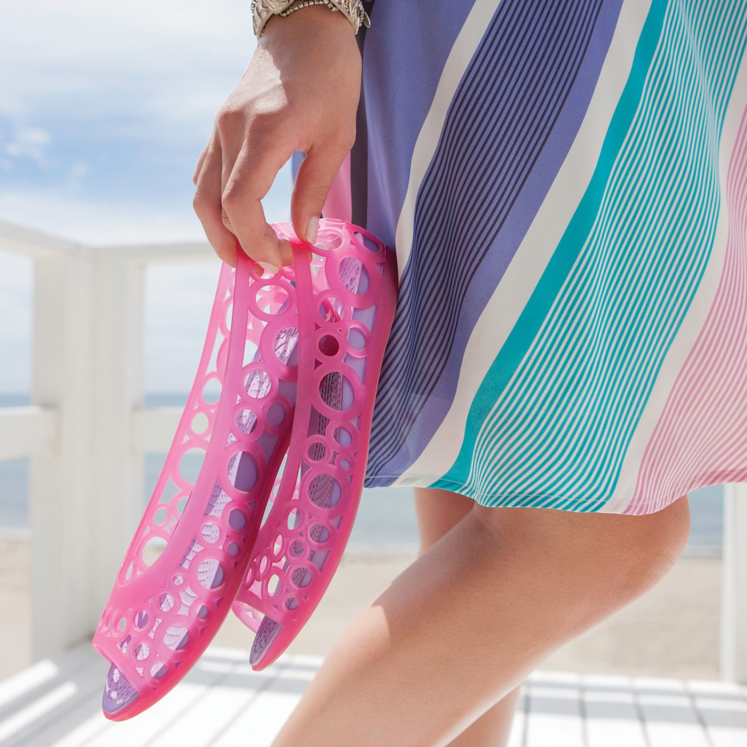 Remember jellies? @Crocs Shoes Shoes brings them back in a major way! We love the Adrina in Candy Pink.
