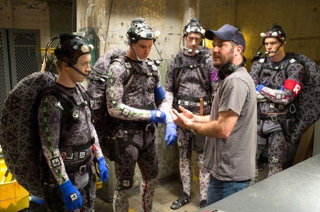 Motion Capture Apparatus - Teenage Mutant Ninja Turtles (2014) - actors Noel Fisher, Jeremy Howard, Alan Ritchson and Pete Ploszek, and director Jonathan Liebesman working on it