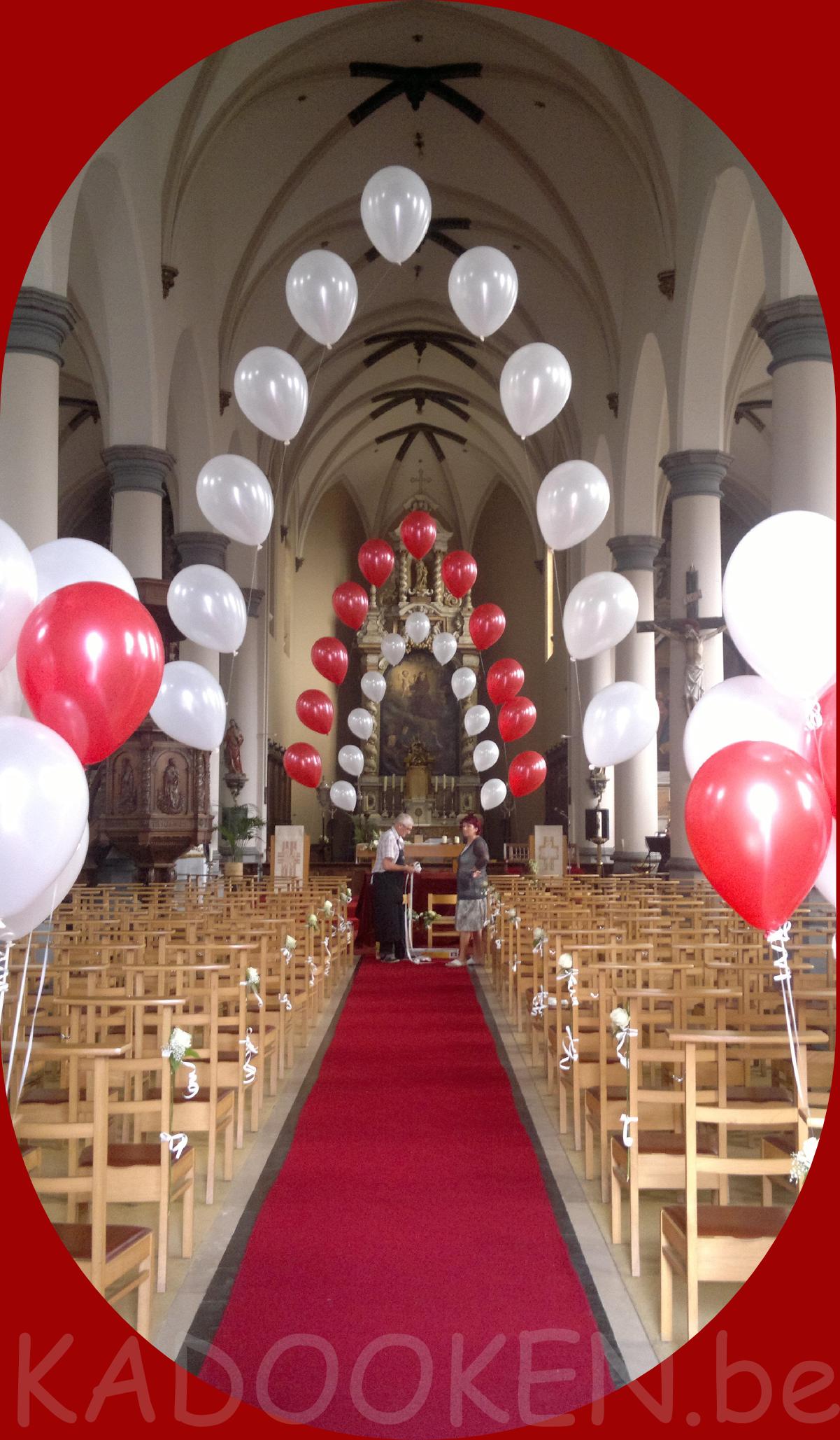 Kerk decoratie huwelijk ballonnen trouw ballons