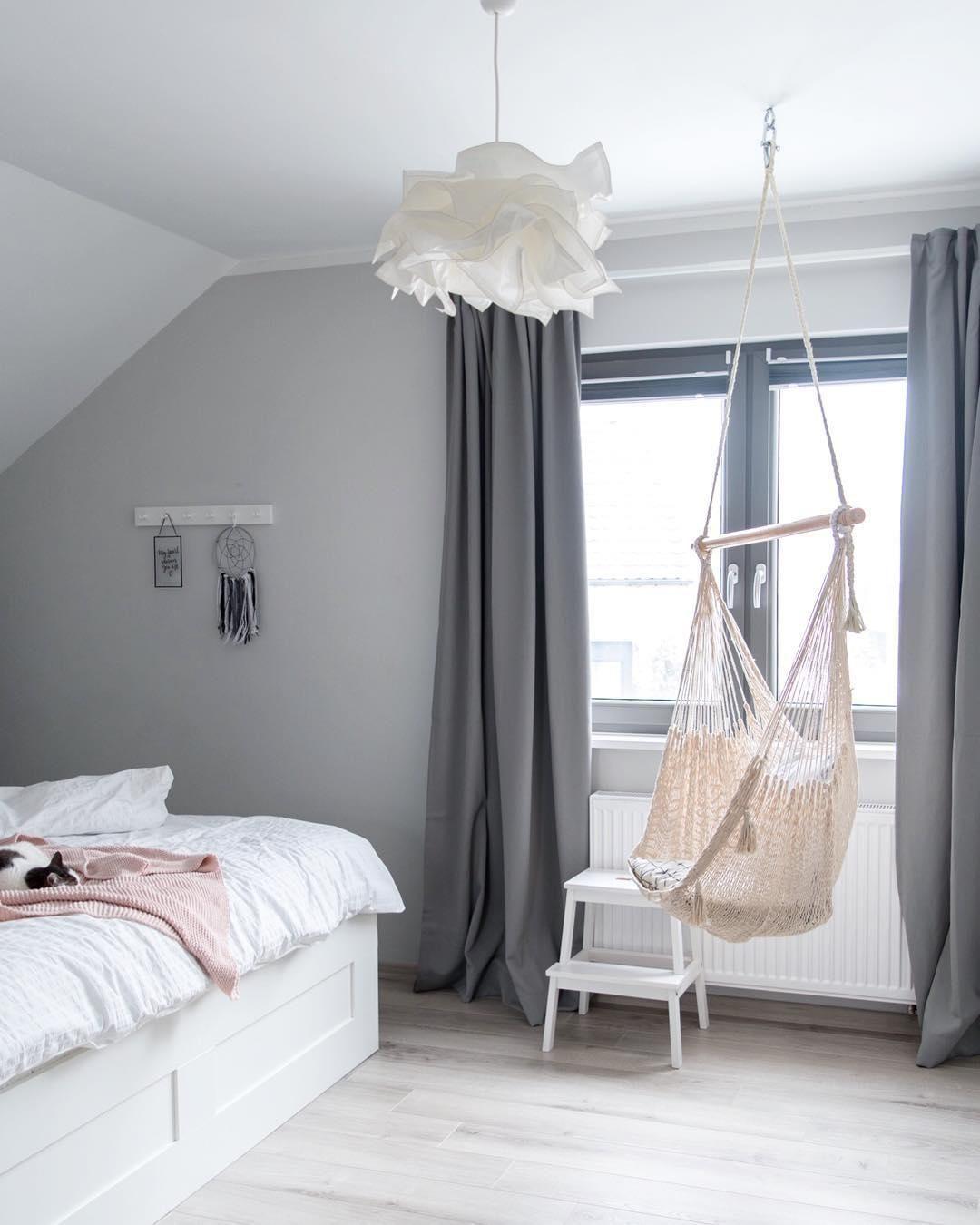 Grey Dreams Das Zeitlose Grau Lasst Dein Schlafzimmer Erstrahlen Fullt Es Mi In 2020 Graues Zimmer Zimmer Zimmer Farben