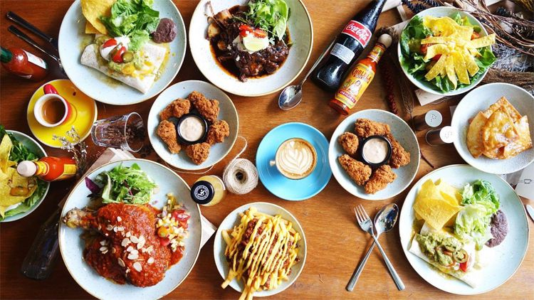 The Best Halal Restaurants And Cafes In Singapore Food Food Inspiration Easter Dinner Table