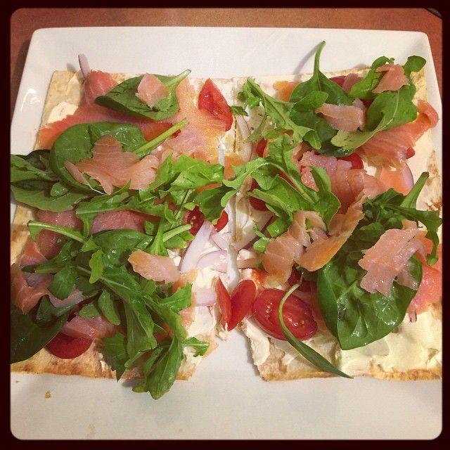 Via: @holls_stagram | Mountain Bread pizza | Healthy Recipe