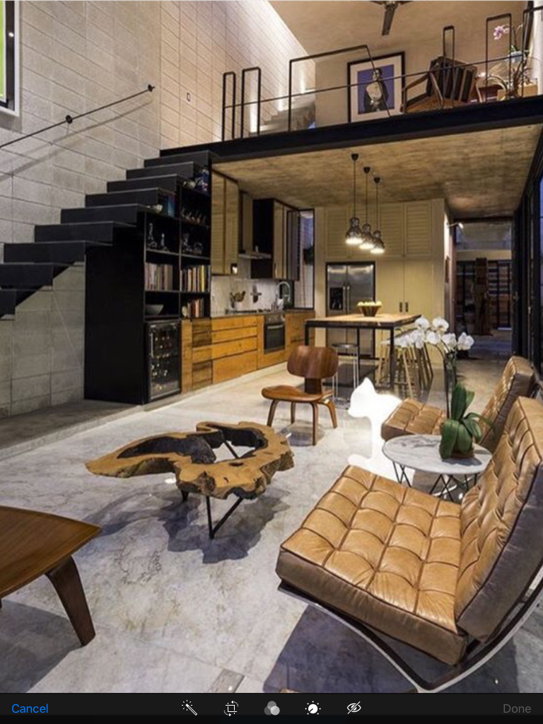 Loft con altillo con decoraci n moderna places spaces for Casas rusticas modernas interiores