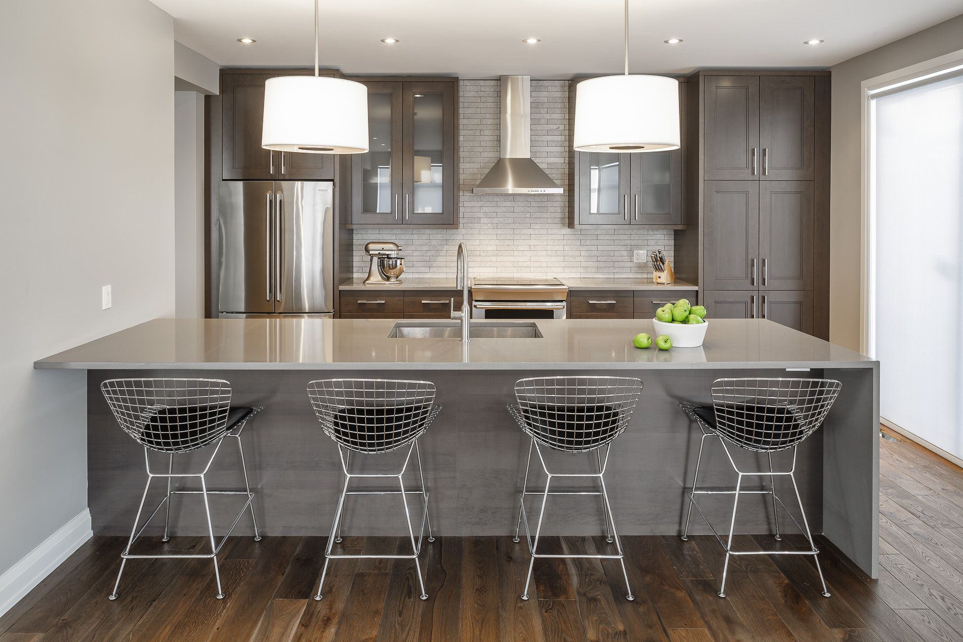 Modern Kitchen Design Design By Astro Design Centre Ottawa Canada Cuisine Darty Amenagement De La Cuisine Cuisine