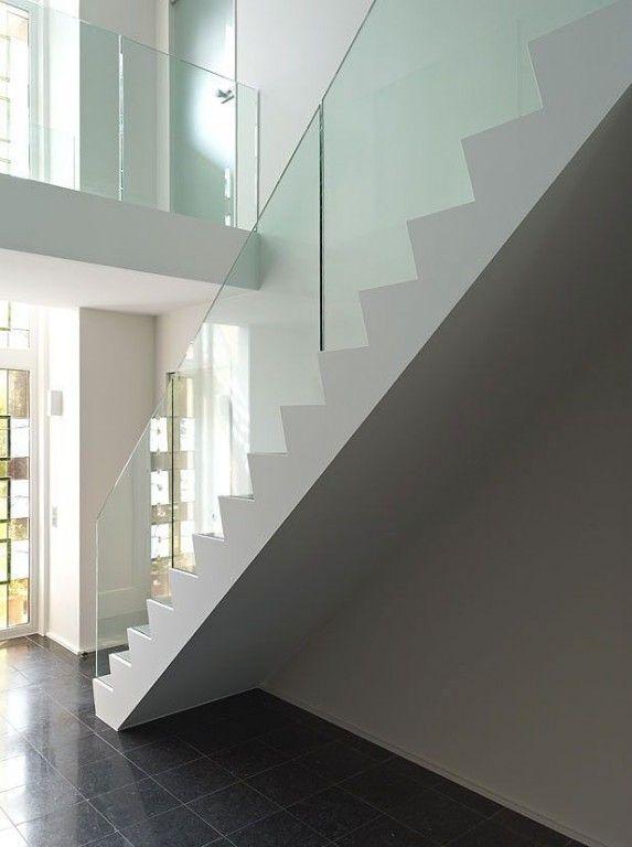 Glazen balustrade op betonnen trap realisaties trap for Balustrade trap