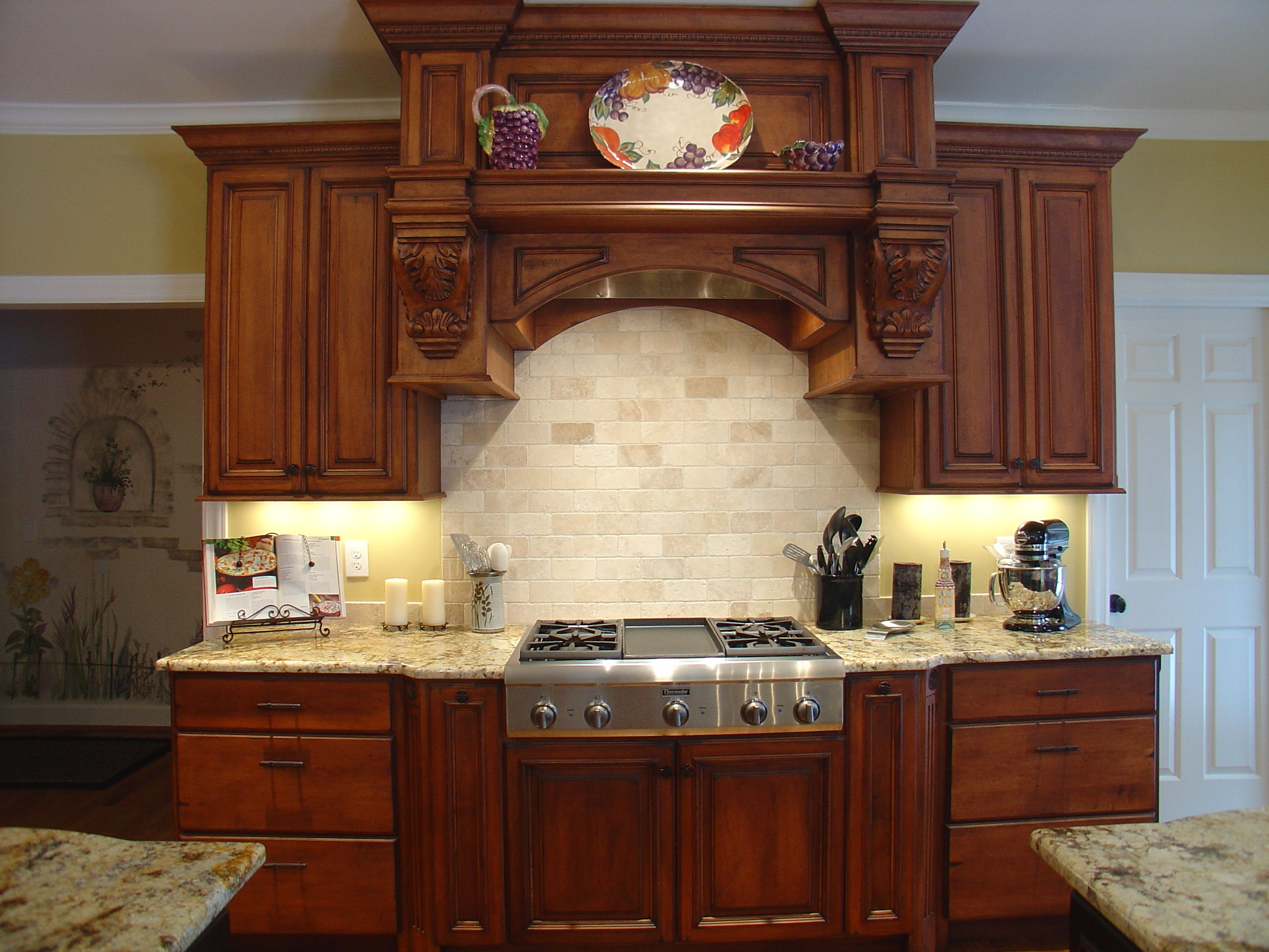 farmhouse style in kitchen with new maple glazed cabinets google search kitchen cabinet decor on farmhouse kitchen maple cabinets id=15200