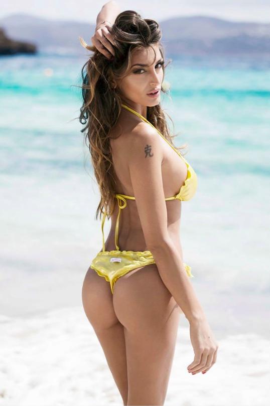Αποτέλεσμα εικόνας για cristina buccino sexy