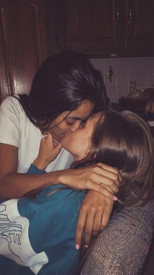 Eve Angel Lesbian Kissing