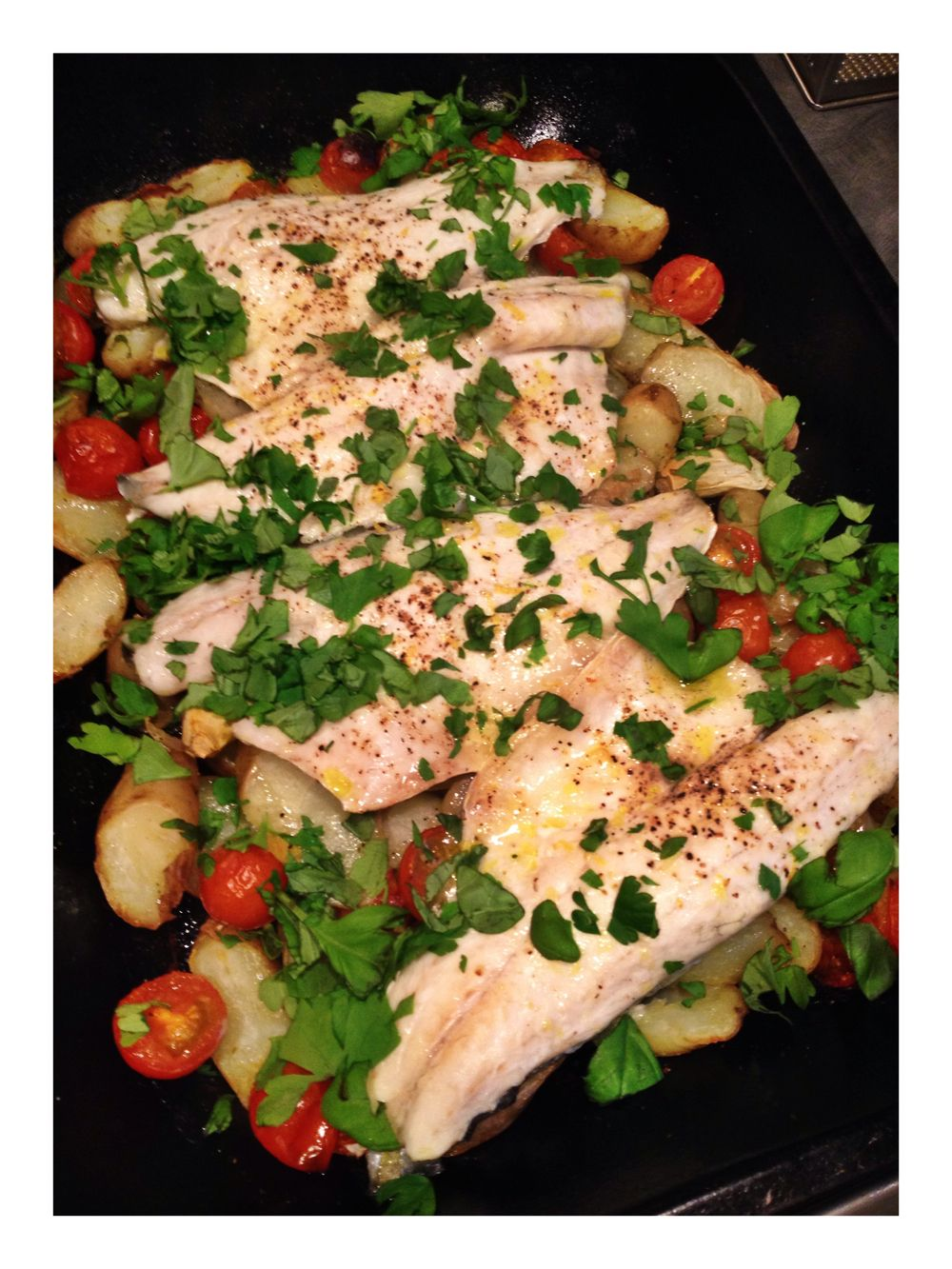Sainsbury's Switch the Fish Sea Bass | Sea Bass Tray Bake | Easy Family Food | Healthy Family Meal Idea | Easy Midweek Meal | Daisies and Pie