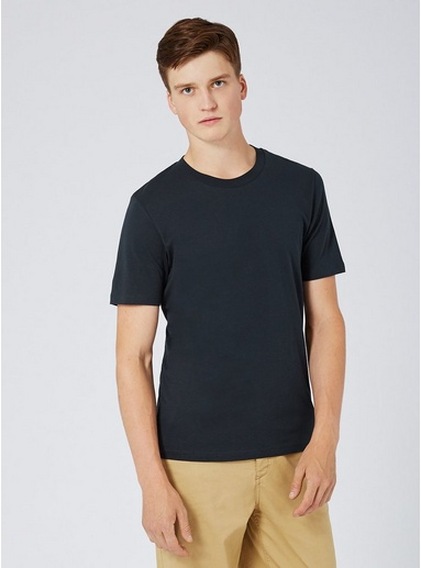 7dbc82dbcac SELECTED HOMME Navy T-Shirt - Men s Tops - Clothing in 2019