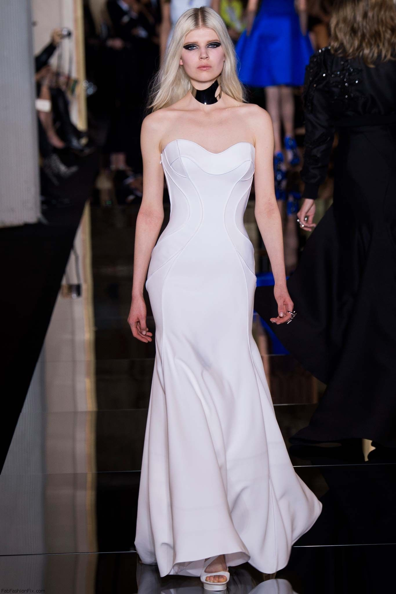 Versace wedding dress  Atelier Versace Haute Couture springsummer  collection  Style