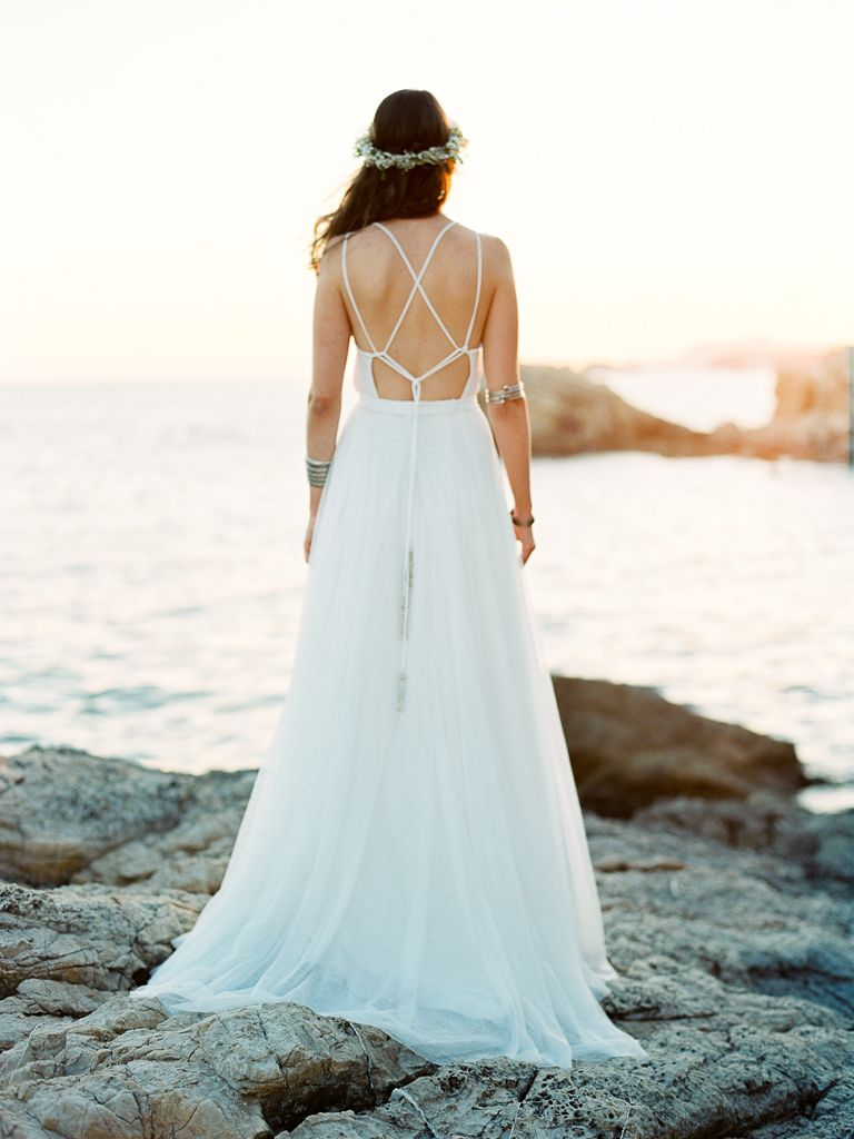 Ethereal wedding inspiration in a mediterranean cove wedding