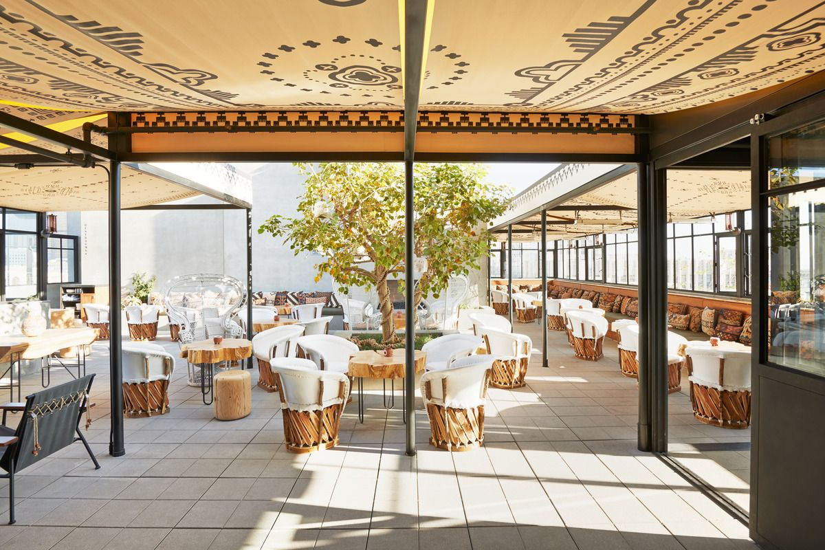 Interior Design Of 180 Room Hotel Including A Restaurant Rooftop Lounge And Pool 1600 Seat Theatre
