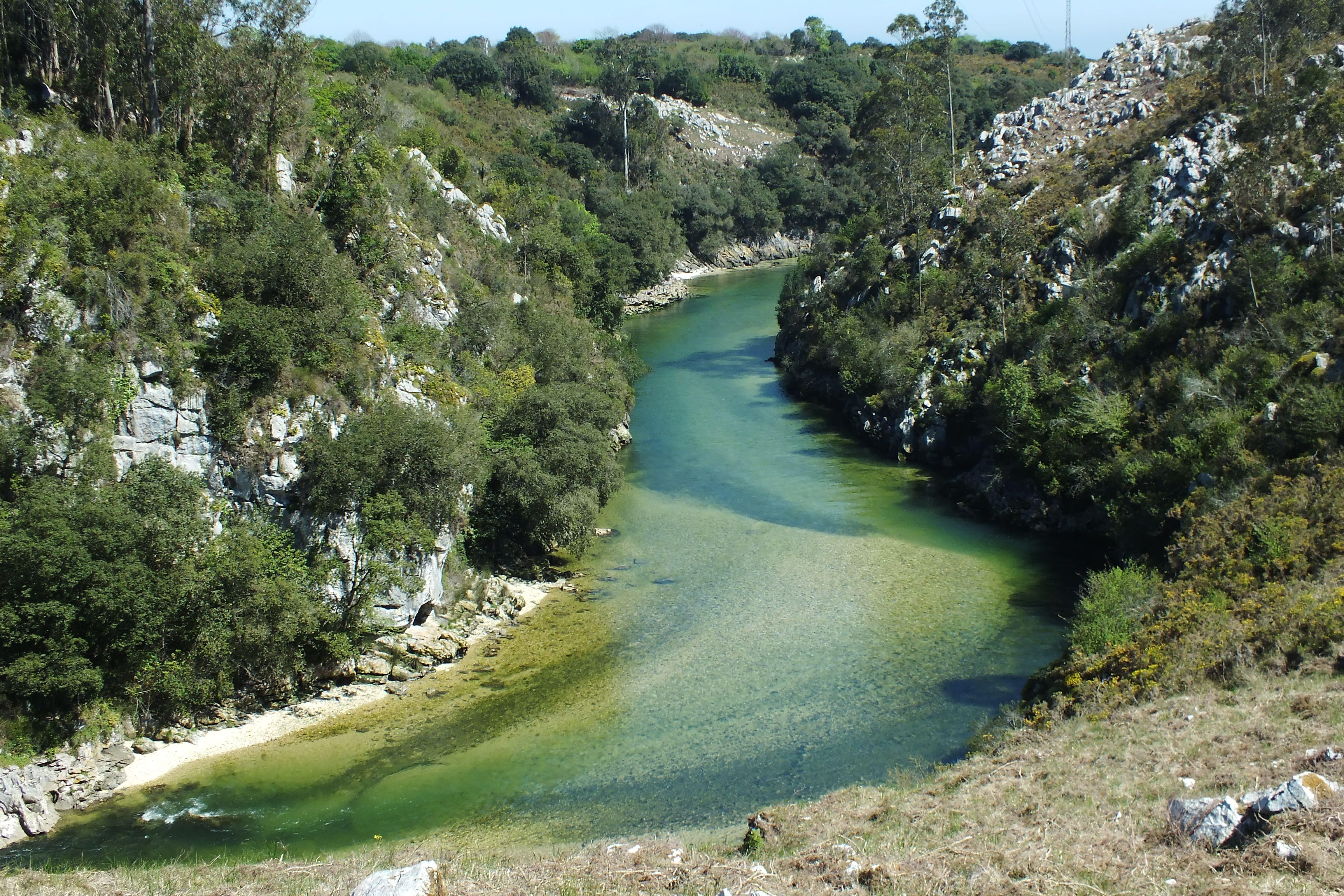 Rio Purón Muy Cerca De Su Desenbocadura En El Mar Cantabrico Andrín Puertas De Vidiago Concejo De Llanes Principado De Asturias Spain Outdoor Water River