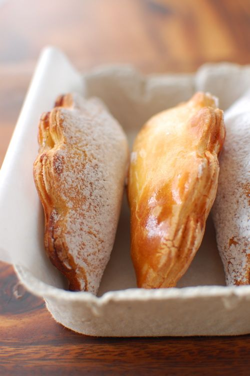 Pear compote with vanilla pockets. Sound deelish.