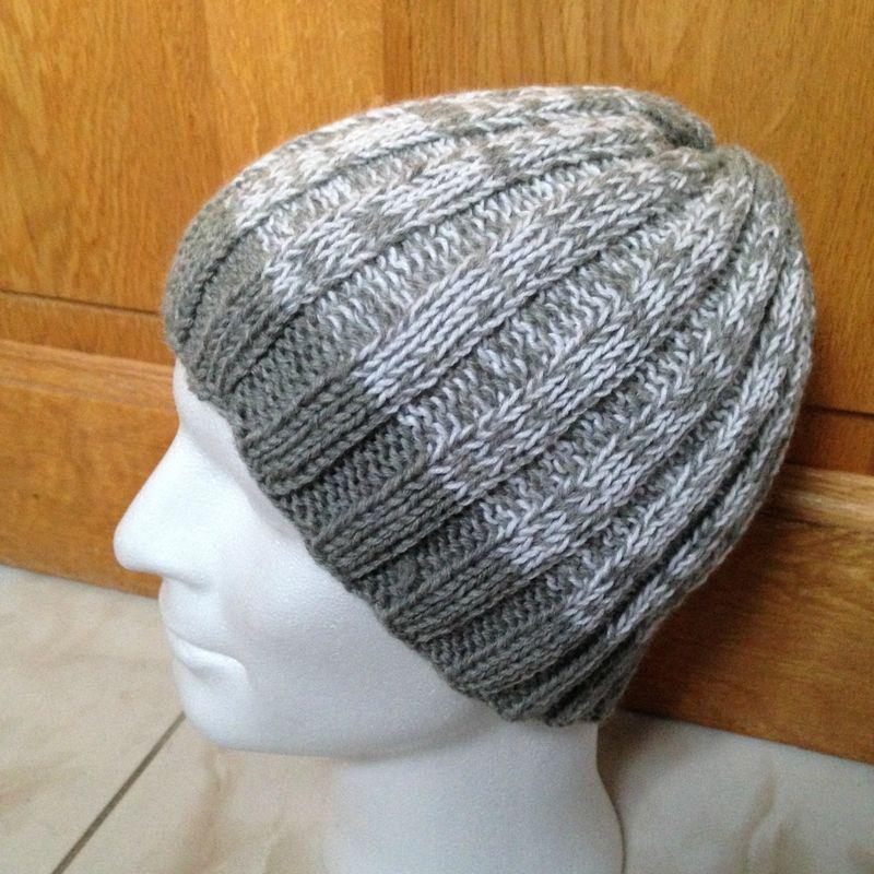 3f9f0b8825ec Tutoriel Bonnet tricot en côtes 3 3 pour homme ou femme Free pattern for  knitting Hat man or woman