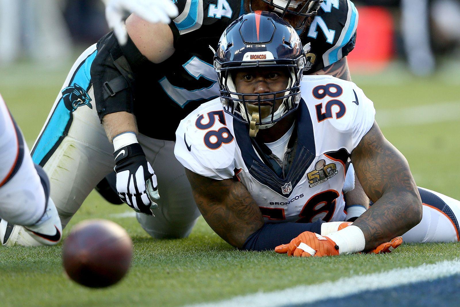 Denver Broncos Vs Carolina Panthers Nfl Super Bowl 50 Photos Carolina Panthers Denver Broncos Broncos