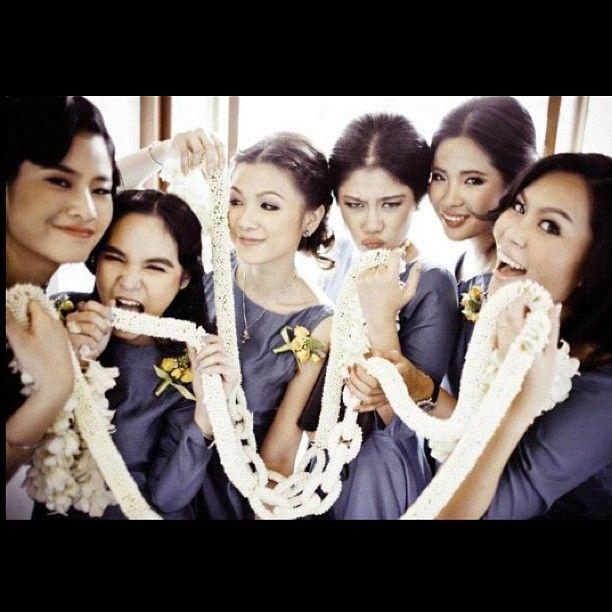 the bridesmaids r ready!- Chutima T. @rabbitye instagram