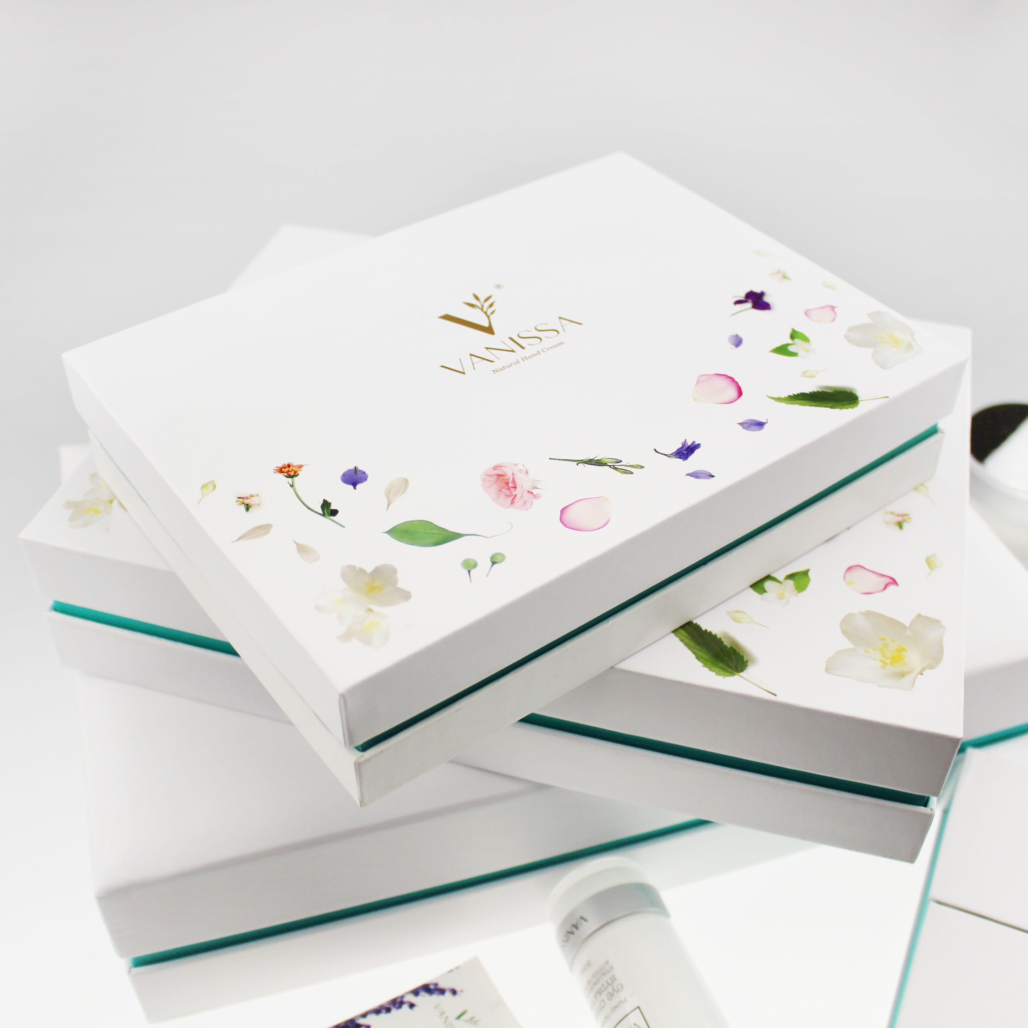 Have You Checked Out Our Gift Sets Yet From Skin Care To Hand Creams To Soap Bars We Have A Great Selection Gift Set Skincare Gift Set Skin Care Collection