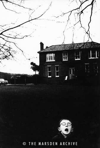 Boy Screaming, Chiswick, London (MA-P-072)