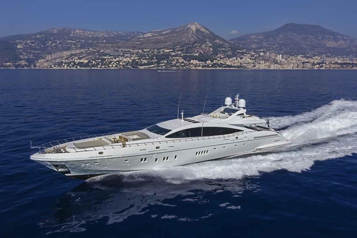 9 Fast Charter Yachts   Spanish mackeral   Boat, Motor boats