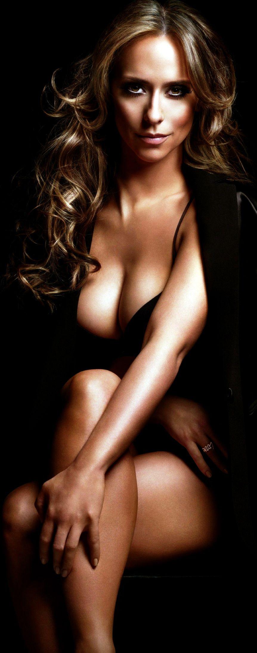 Jennifer aime hewette nue