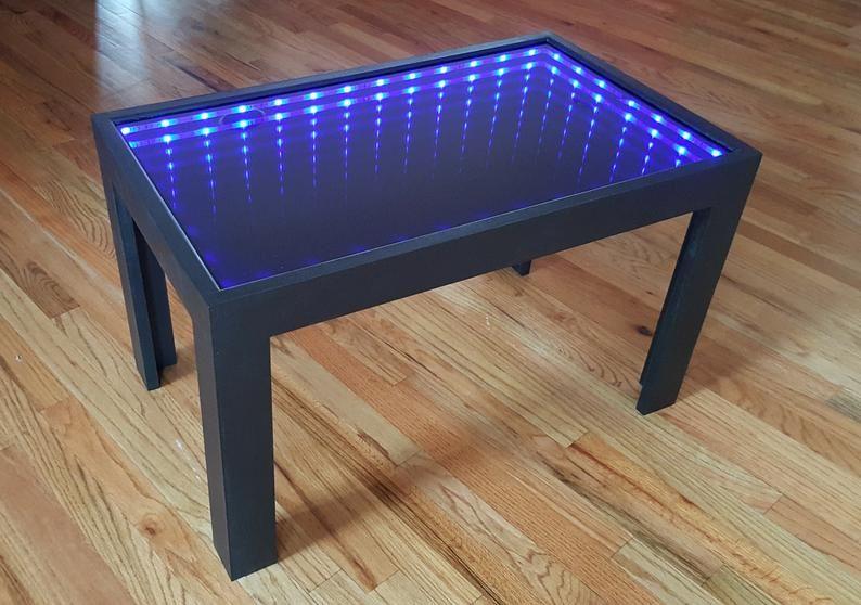 Mesa De Centro Negra Con Luces De Ilusion Fresco Con Efecto De Espejo Infinito En 2020 Espejo Infinito Centros De Mesa Mesas