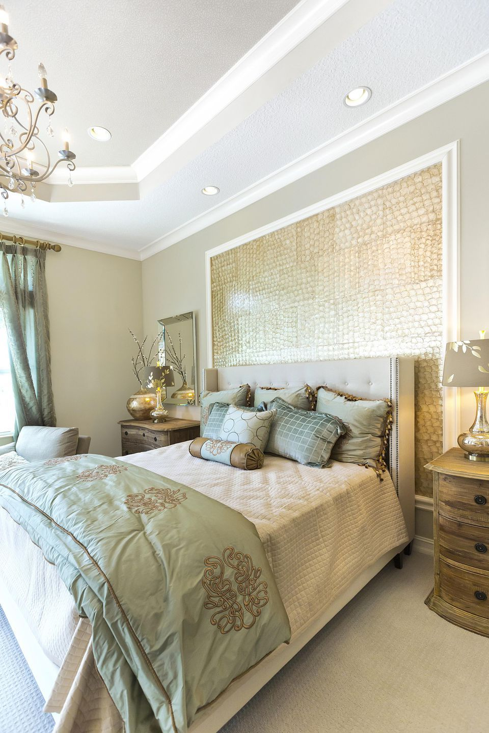 For a PicturePerfect Bedroom, Learn to Make Your Bed Like