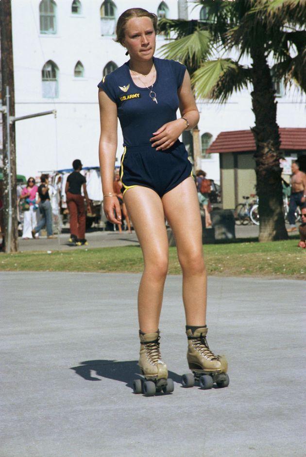 Some Roller Skater Girls Venice Beach 1970s Roller Skaters Venice Beach Front Walk