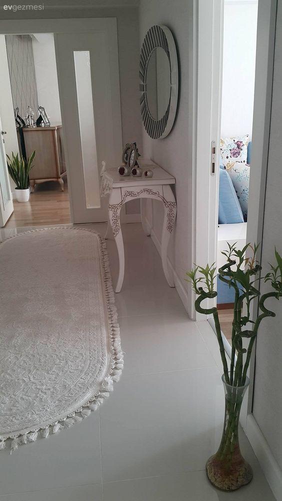 Klasik ve modern stillerden etkilenilmiş, göz alıcı bir ev..