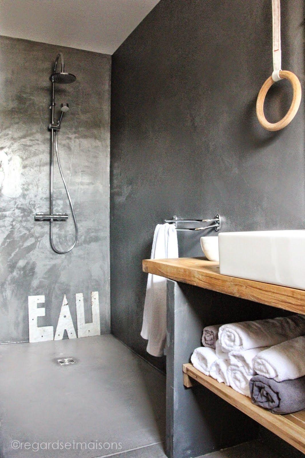 Coup de coeur / La salle de bain béton chez Regards et maisons ...
