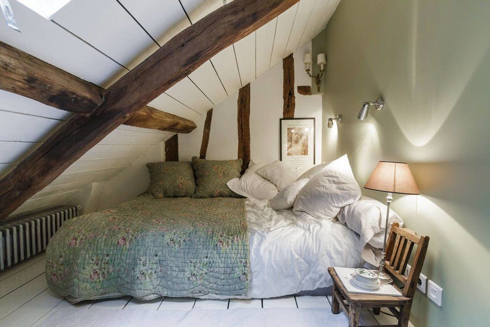 A Cozy Airbnb Apartment in an 18th-Century Building in ...