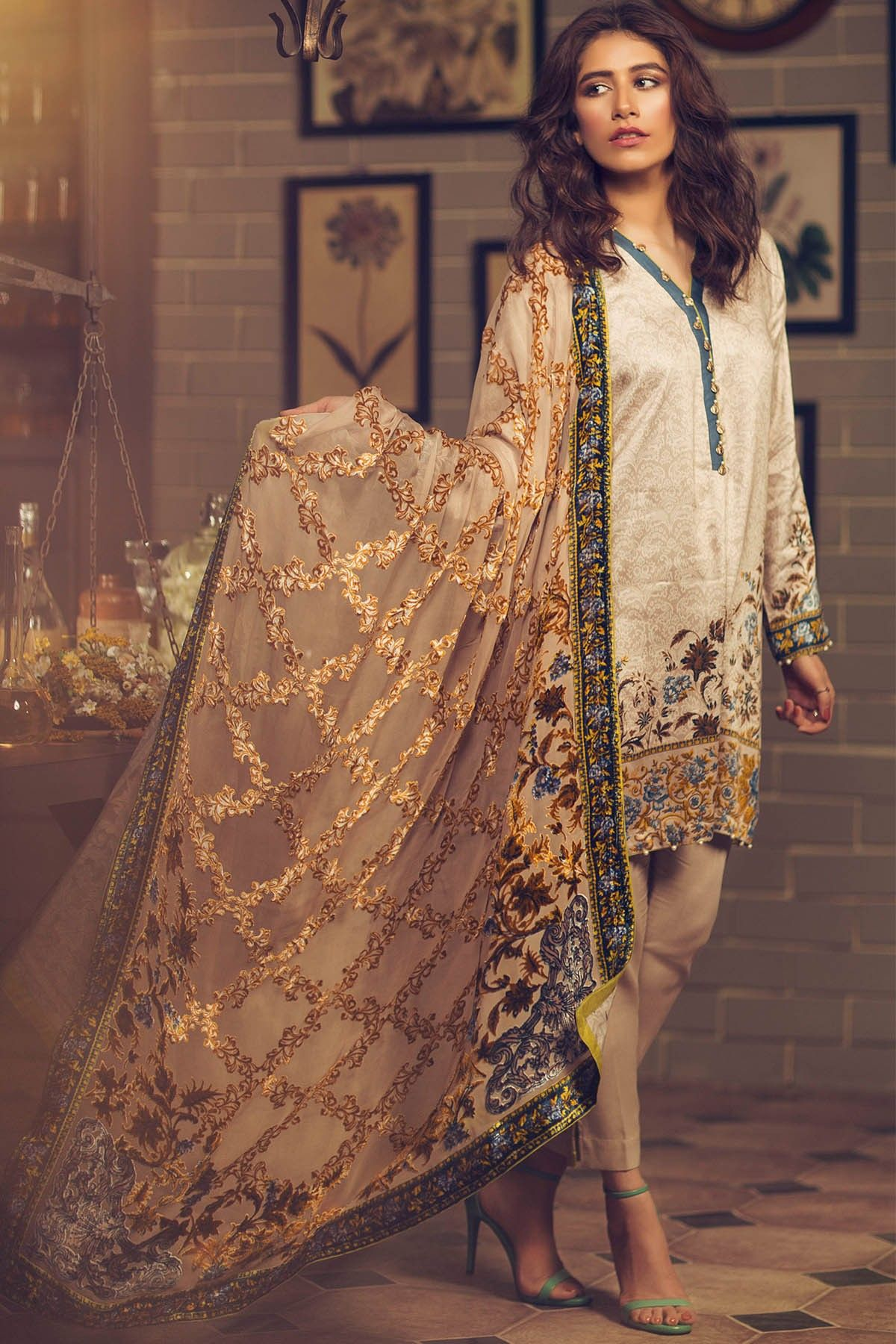 74035d0f1a Alkaram Silk Velvet Dupatta Collection For Fall/Winter 2017 | Fall ...