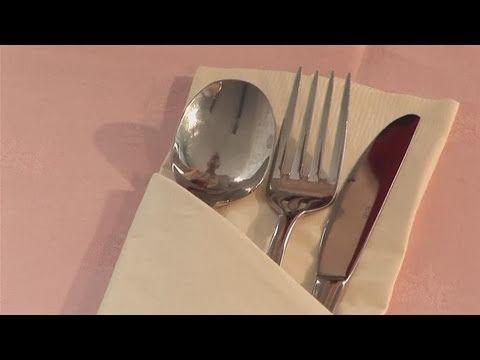 servietten falten einfache bestecktasche falten tisch decken originell youtube ideas para. Black Bedroom Furniture Sets. Home Design Ideas