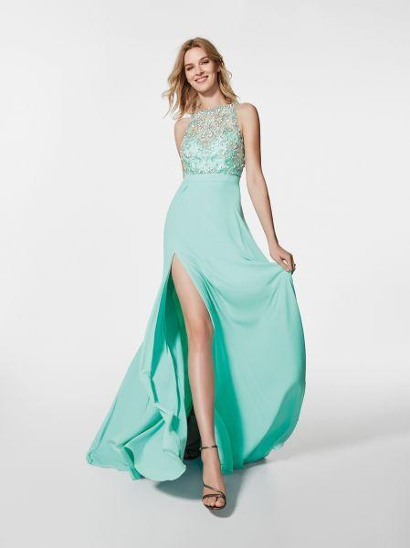 e2b2113644c Robes de soirée Pronovias 2018   découvrez les modèles à venir l année  prochaine !