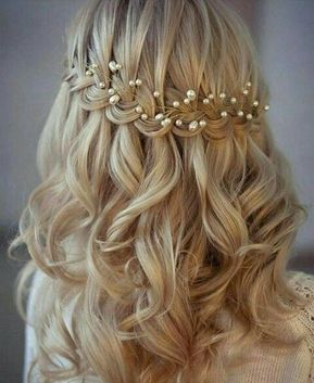 Offene Hochzeitsfrisur Mit Sanften Wellen Kopfschmuck Braut Stirnband Hochzeit Haar Hochzeitsfrisuren