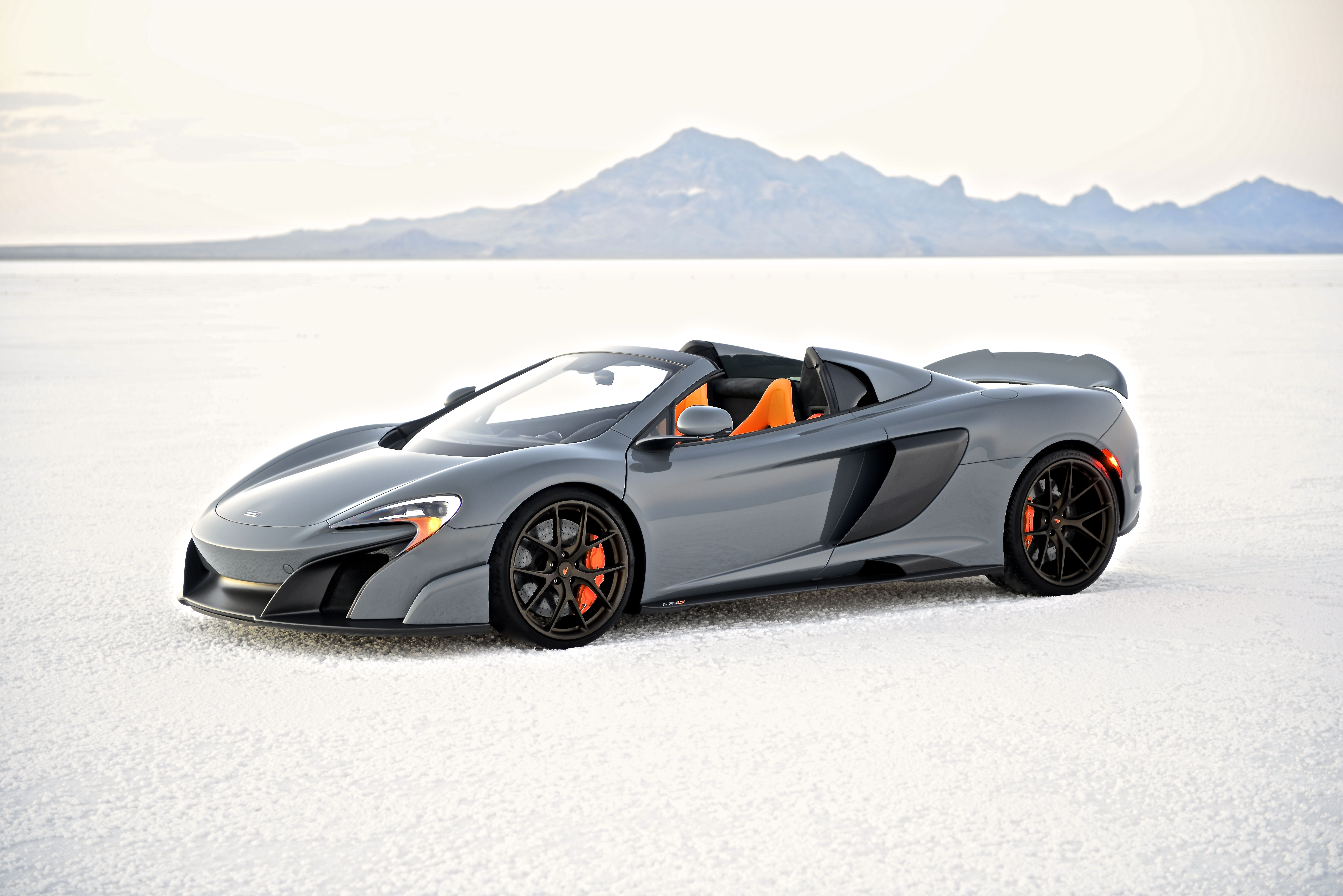 Your Ridiculously Awesome Mclaren 675lt Spider Wallpaper Is Here