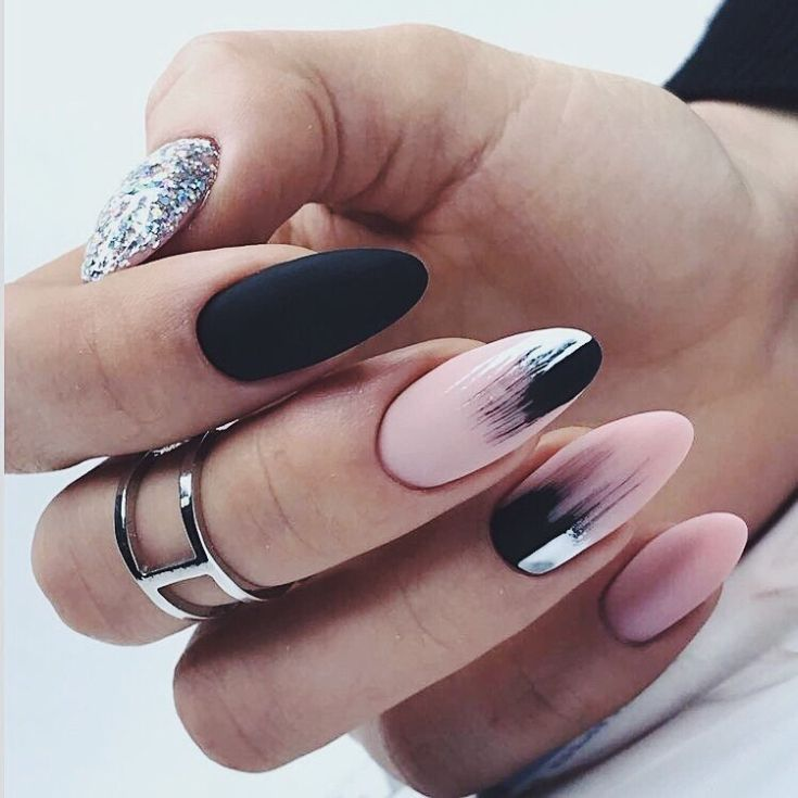 40 fotos de unhas decoradas discretas | Unhas decoradas, Unhas, Unhas  amendoada