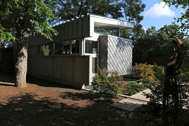Very cool 980 sq ft house