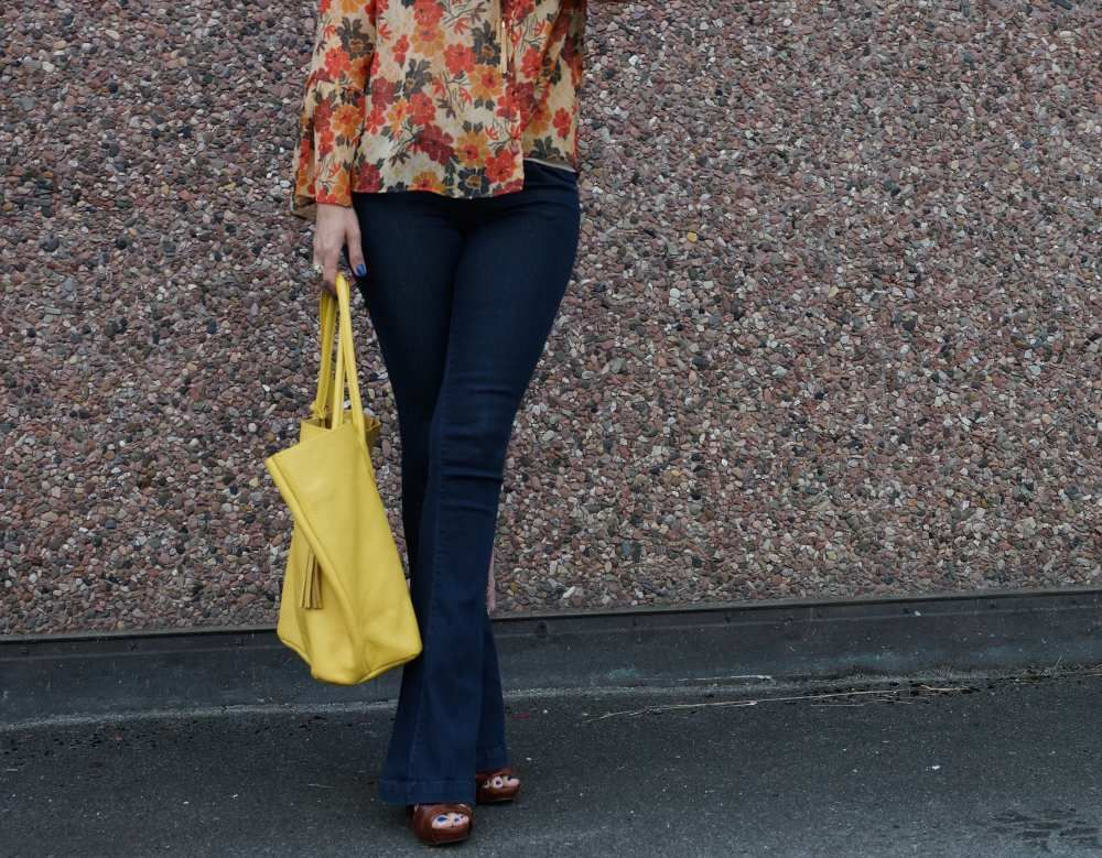 Flare Alert! That 70s Style is Back - NEW ADORA bag from ... 1b939f6cfba5a
