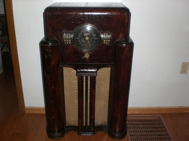 1939 Zenith Floor Model Radio Model 7 S 363 Shortwave