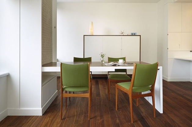 clever dining table that folds down like a murphy bed when