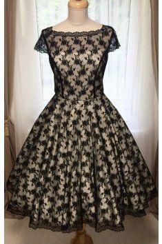 Korzetové retro šaty s jemnou černou krajkou - více barev korzetové  celokrajkové šaty lodičkový výstřih a 26969a0944f